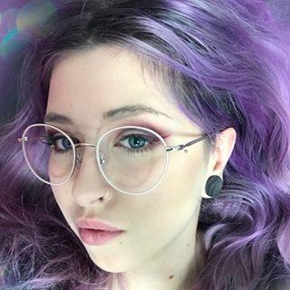 Eveline Pear Ink-avatar