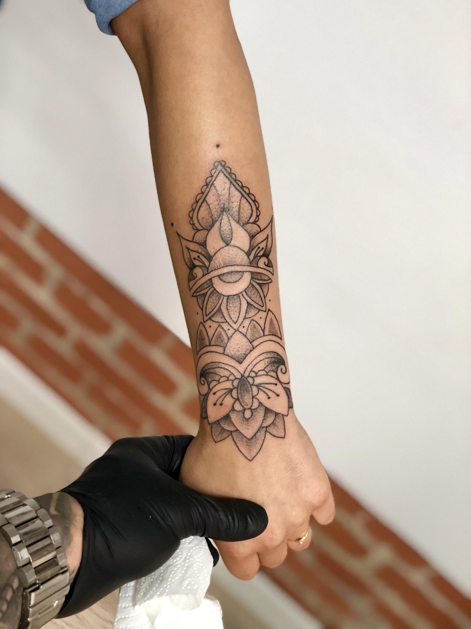 Mariusz - Komodo Tattoo inksearch tattoo