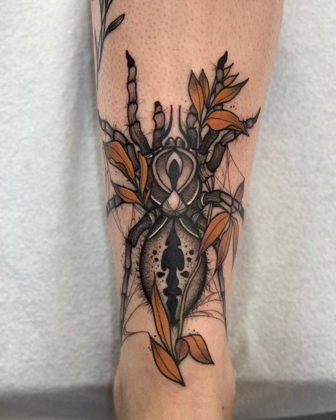 Karo Dame inksearch tattoo